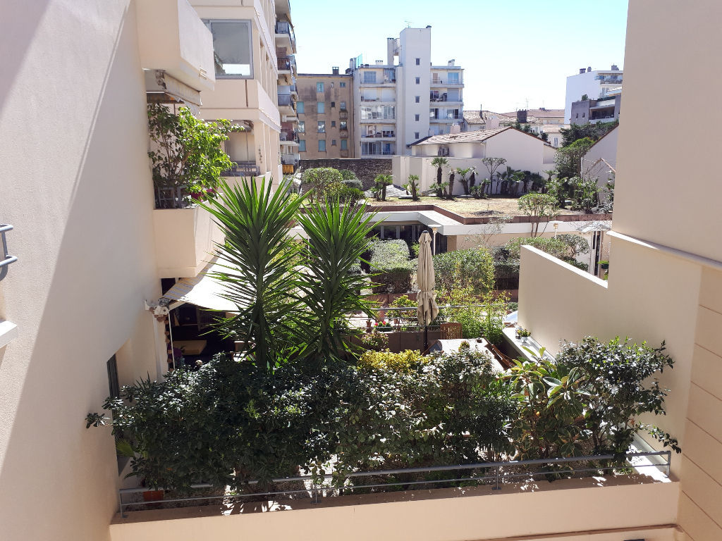 appartement-cannes-3-piece-s-73-m2-terrasse-location-vide