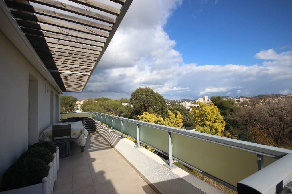 appartement-le-cannet-4-pieces-88-m2-vue-mer-et-piscine